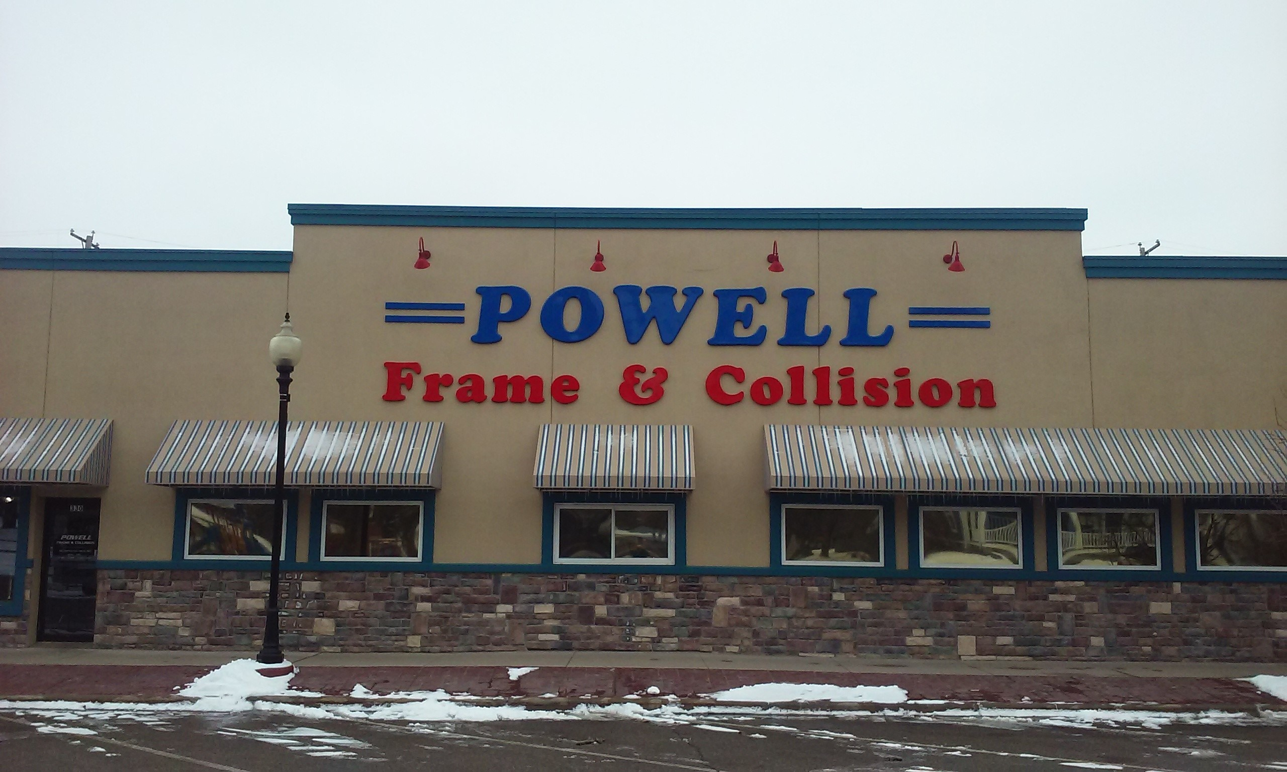 Powell Frame and Collision Body Shop Exterior
